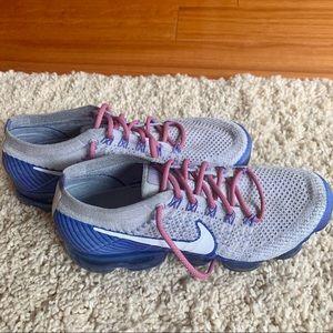 Nike Women's Vapormax Sneaker - Size 9.5
